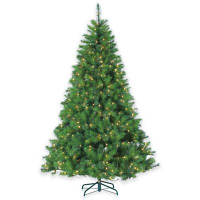 Wisconsin Spruce 7.5-Foot Pre-Lit Christmas Tree with Clear Lights