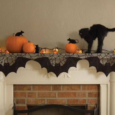 Heritage Lace® Bats 20-Inch x 80-Inch Mantle Scarf in Black
