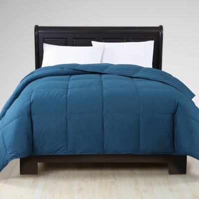 VCNY Down Alternative King Comforter in Navy