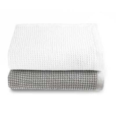 Kassatex Messina Queen Coverlet in Aluminum