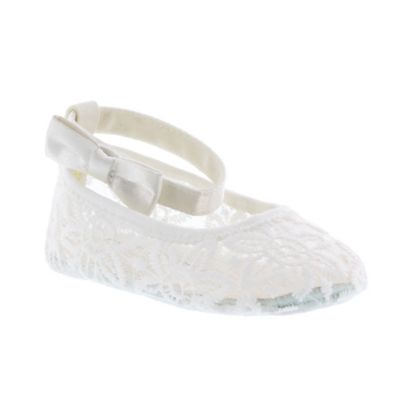Stuart Weitzman Size 9-12M Lace Ballet Slipper with Bow Ankle Strap in White