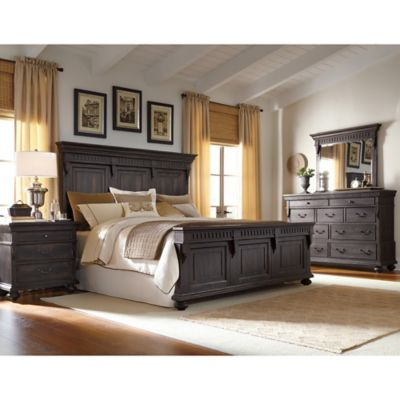 Pulaski Kentshire Queen 4-Piece Bedroom Set in Dark Brown