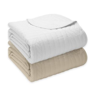 Madison Park Tuscany Oversized Quilted Throw in White