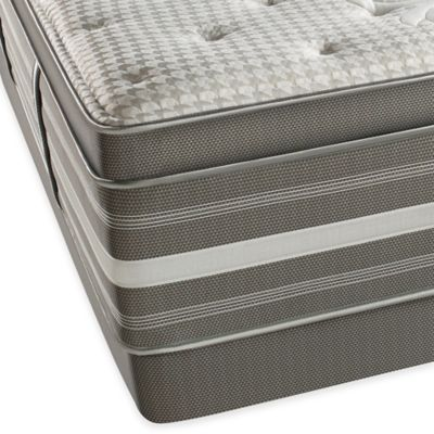 Beautyrest® World Class® Evans Oaks Plush Pillow Top Low Profile Split Queen Mattress Set