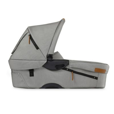 Mutsy Evo Urban Nomad Bassinet in Light Grey