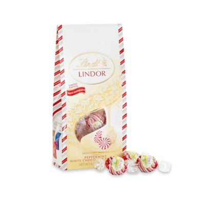 Lindt Lindor 45-Count White Chocolate Peppermint Truffle Seasonal Bag
