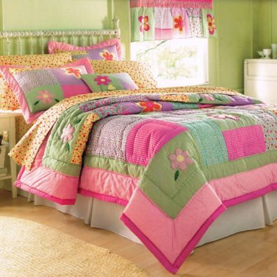 Dorinda Twin Quilt Set