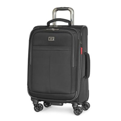 Latitude 40°N™ Freehold 21-Inch 8-Wheel Expandable Carry On Spinner in Black