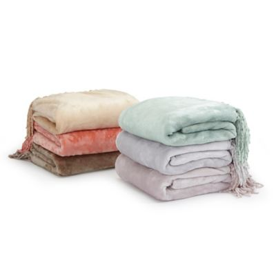 Ultra Plush Polyester Fringed Throw in Salmon