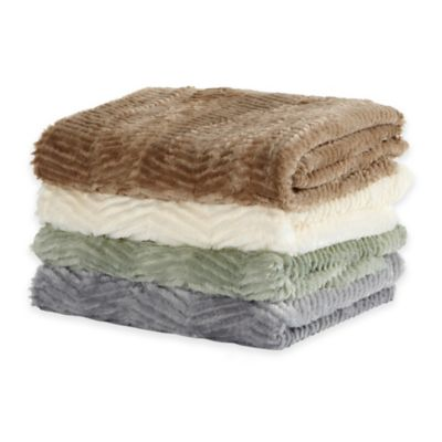 Bahara Collection Velvet Plush Polyester Sculpted Throw in Eucalyptus