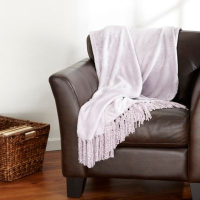 Ultra Plush Polyester Fringed Throw in Lilac