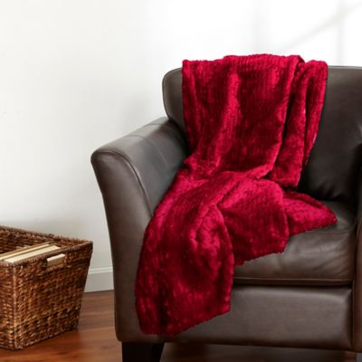 Veranda Collection Velvet Plush Polyester Sculpted Throw in Red Plum