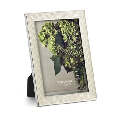 Vera Wang Wedgwood® With Love Nouveau 4-Inch x 6-Inch Picture Frame in Pearl