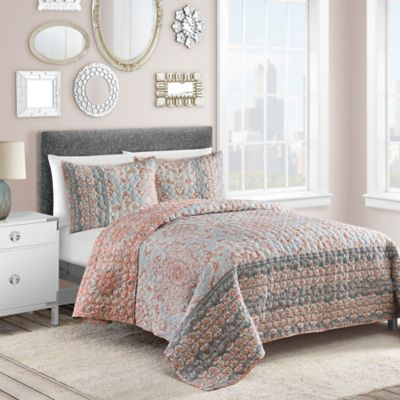 Selma Reversible Twin Quilt Set in Coral