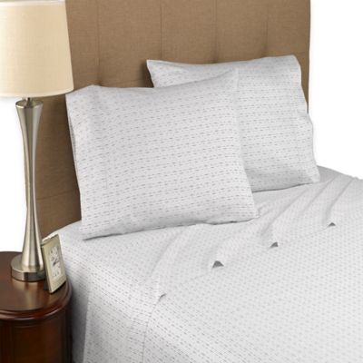 Modern Living Dotted Line 300-Thread-Count Organic Full Sheet Set in White