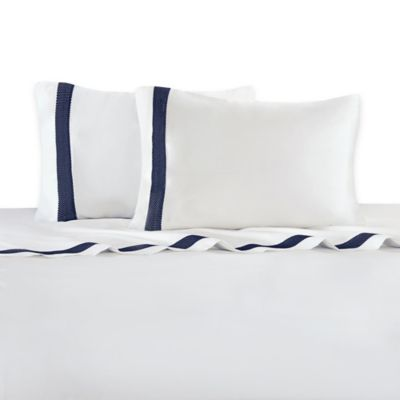Natori Origami Mum 400-Thread Count Queen Embroidered Cuff Flat Sheet in White