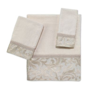 Avanti Amelia Washcloth in Ivory