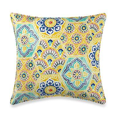 Kennett Outdoor 17-Inch Throw ss Pillow in Yellow