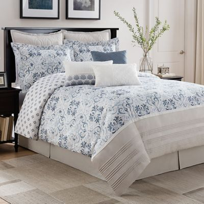 Bridge Street Porto Reversible Queen Comforter Set in Blue/White