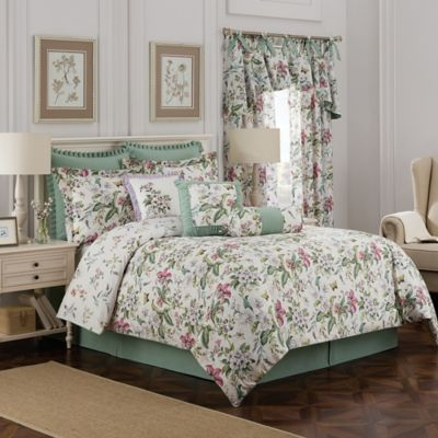 Williamsburg Palace Reversible King Comforter Set in Ivory/Green