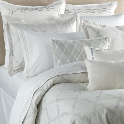 Vera Wang™ Fretwork Queen Duvet Cover in Light Cream