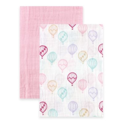 BabyVision® Hudson Baby® 2-Pack Balloons Muslin Swaddle Blankets in Pink