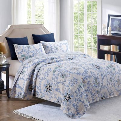 Carletta Reversible Full/Queen Quilt Set in Blue