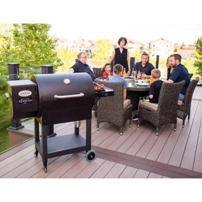 Louisiana Grills 700 Wood Pellet Grill/Smoker in Black