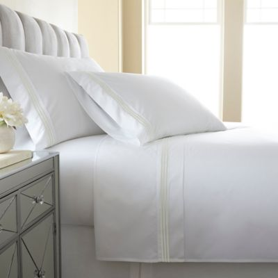 Austin Horn En'Vogue Charlotte Embroidered King Sheet Set in Champagne