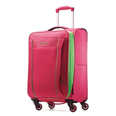 Samsonite Skylite® 20-Inch Expandable Carry On Spinner in Raspberry