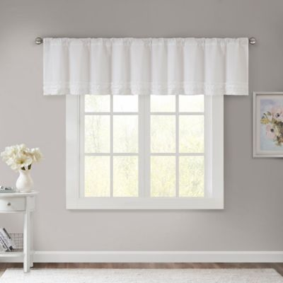 Madison Park Bessie Window Valance in Pink