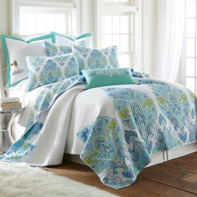 Brooke Reversible King Quilt in White/Blue