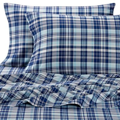 Lakeside Living Plaid Standard Pillowcases in Navy (Set of 2)