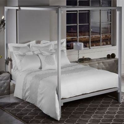 Frette At Home Noto Ricamo Queen Duvet Cover in White/Stone