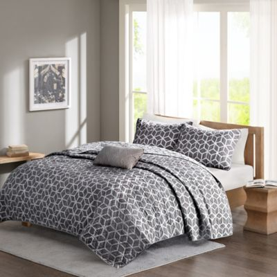 Madison Park Pure Alexa Reversible Full/Queen Coverlet Set in Aqua