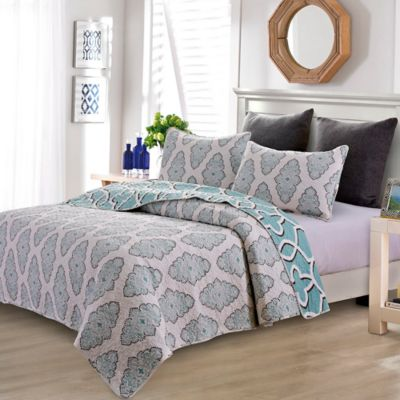 Grace Reversible Full/Queen Quilt Set in Blue
