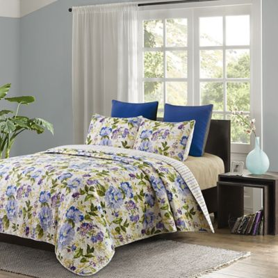 Green and Blue Floral Quilts