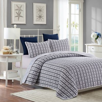 Newport Reversible Full/Queen Quilt Set in Blue
