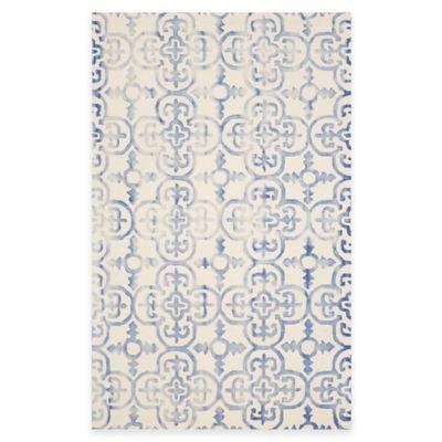 Safavieh Dip Dye Clover 4-Foot x 6-Foot Area Rug in Ivory/Blue