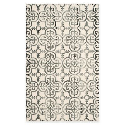 Safavieh Dip Dye Clover 6-Foot x 9-Foot Area Rug in Ivory/Charcoal