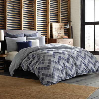 Studio 3B™ by Kyle Schuneman Reversible Flynn King Duvet Cover in Blue
