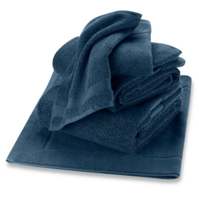 Wamsutta® Duet Bath Towel in Midnight