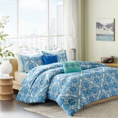 Intelligent Design Lionna 4-Piece Twin/Twin XL Comforter Set in Blue
