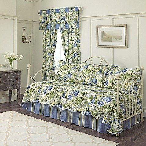 Waverly 174 Floral Flourish Daybed Bedding Set In Porcelain