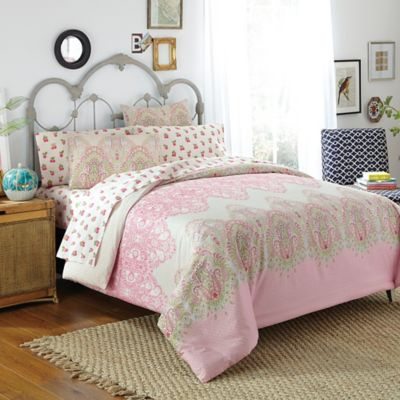 Free Spirit Victoria 7-Piece Reversible Queen Comforter Set in Pink