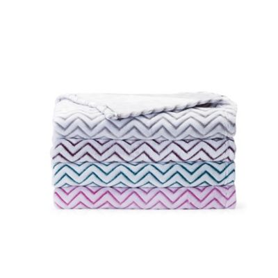 VCNY Chevron 2-Tone Throw Blanket in Pink