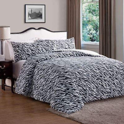VCNY Animal Faux Fur Queen Comforter in Black