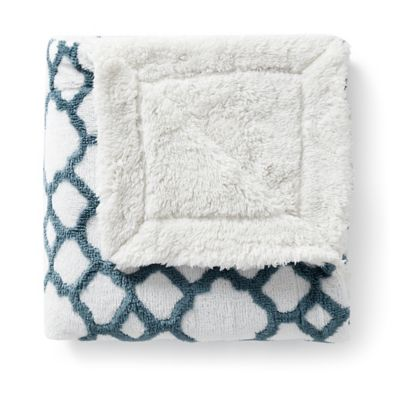 VCNY Chantal Jacquard Throw Blanket in Teal