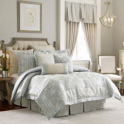 Croscill Couture® Rowling Reversible Queen Comforter Set in Platinum