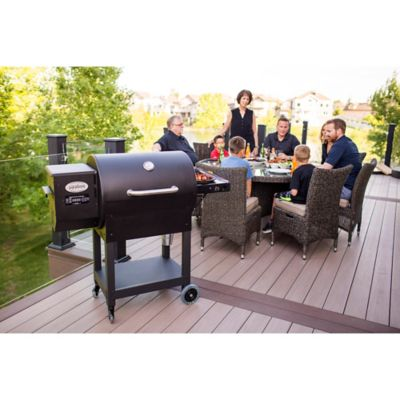 Louisiana Grills 7000 Wood Pellet Grill/Smoker in Black